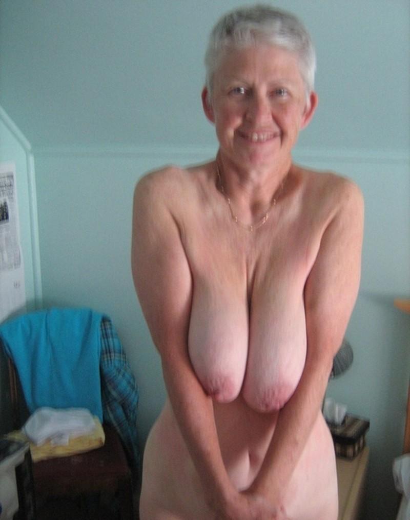 vieille nue escort girl luxe