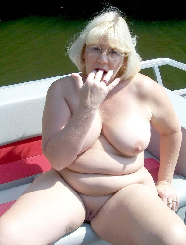 pute var femme nudiste