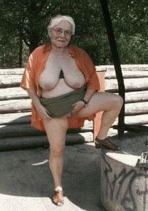 vieille mamie nue pute sans capote