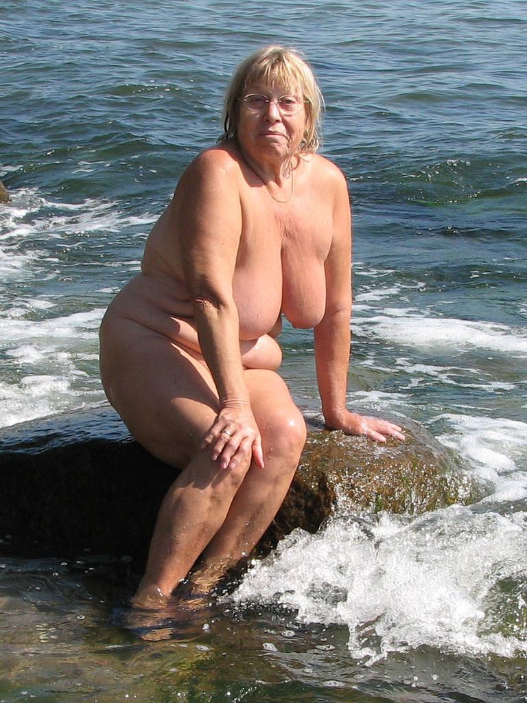 Mamies des plages 10 - 1 part 8